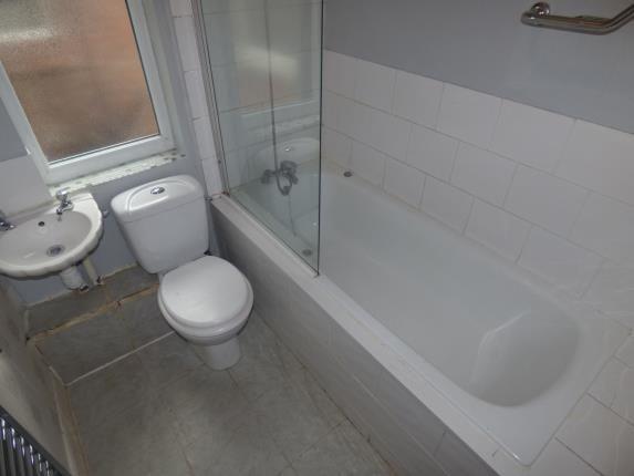 Bathroom of Tilney Street, Liverpool, Merseyside L9