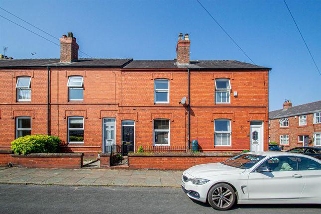 Thumbnail Terraced house to rent in Hawthorne Road, Stockton Heath, Warrington
