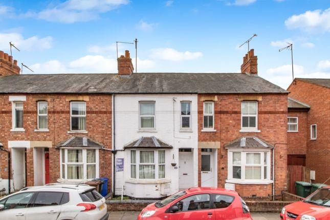 Thumbnail Semi-detached house to rent in Gibbs Road, Banbury