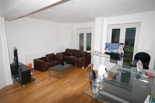 Thumbnail Maisonette to rent in Latchmere Road, London