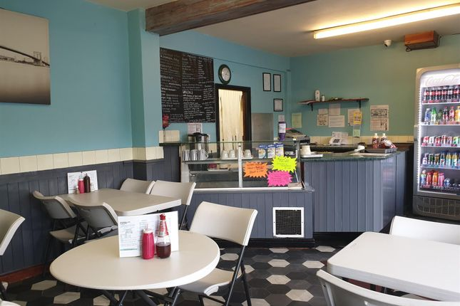 Thumbnail Restaurant/cafe for sale in Cafe & Sandwich Bars LS10, Belle Isle, West Yorkshire