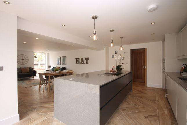 Kitchen of Drakelow Gorse Farm, Yatehouse Lane, Byley CW10