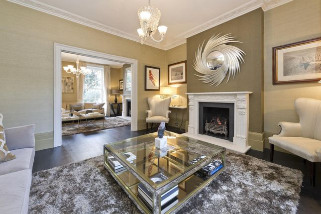 Thumbnail Property to rent in Holland Park Avenue, London