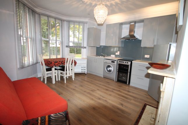 Thumbnail Property to rent in Park Street, Colnbrook, Slough