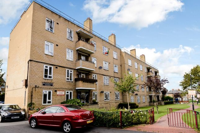 Thumbnail Flat for sale in Washbrook House, London, London