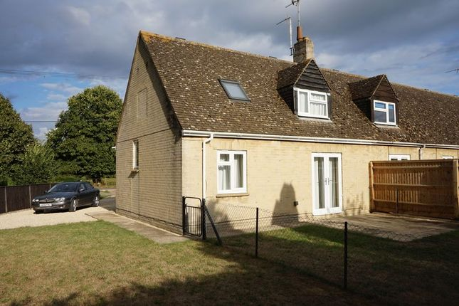 Thumbnail Semi-detached bungalow to rent in Flexneys Paddock, Stanton Harcourt, Witney