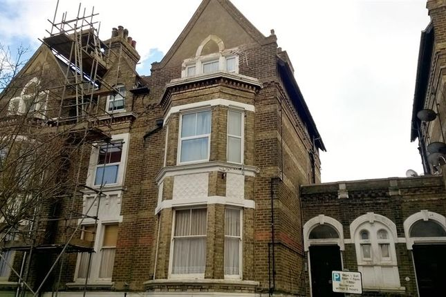 Thumbnail Flat to rent in Ingles Road, Folkestone, Kent