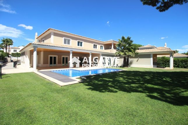Villa for sale in Varandas Do Lago, Almancil, Loulé Algarve