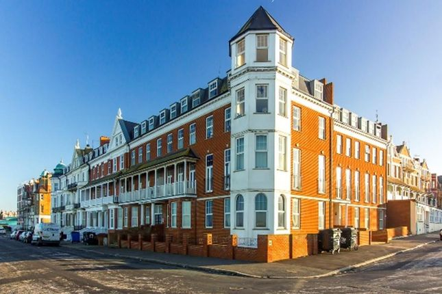 Thumbnail Flat for sale in Endcliffe House, Lewis Crescent, Margate