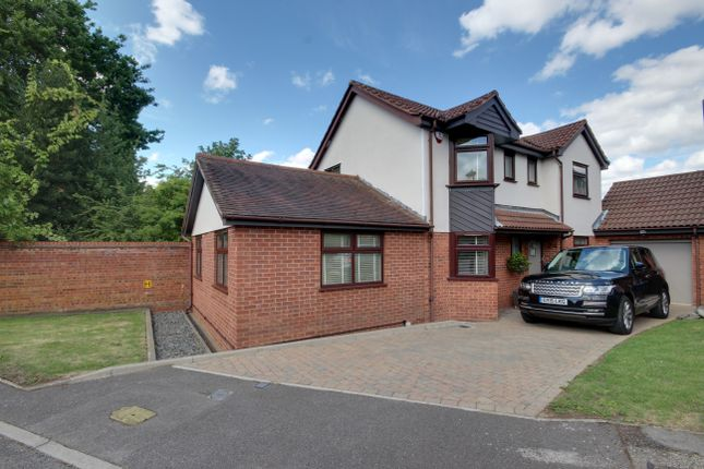 Thumbnail Detached house for sale in Stratfield Park Close, Winchmore Hill