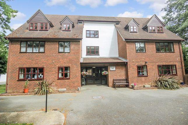 Flat for sale in Crittenden Lodge, West Wickham