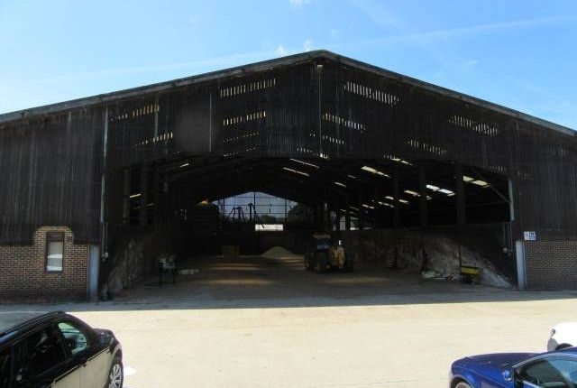 Thumbnail Light industrial to let in Bognor Road, Warnham, Horsham
