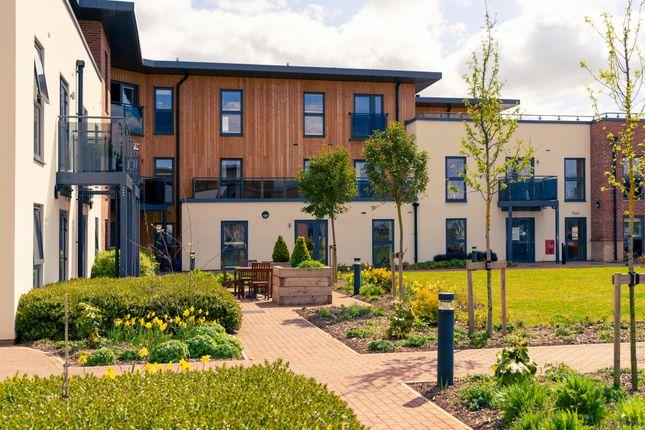 Thumbnail Flat to rent in Springfield Close, Stratford-Upon-Avon