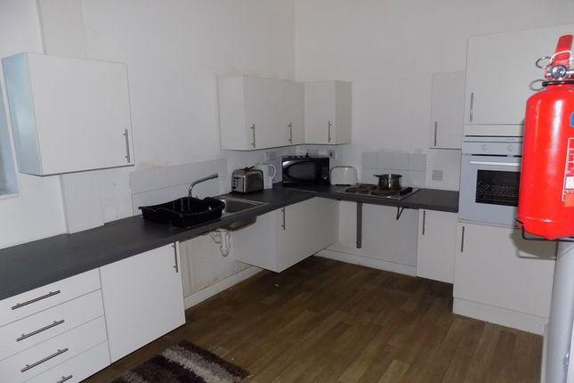 Communal Kitchen of Hallgate, Bradford BD1