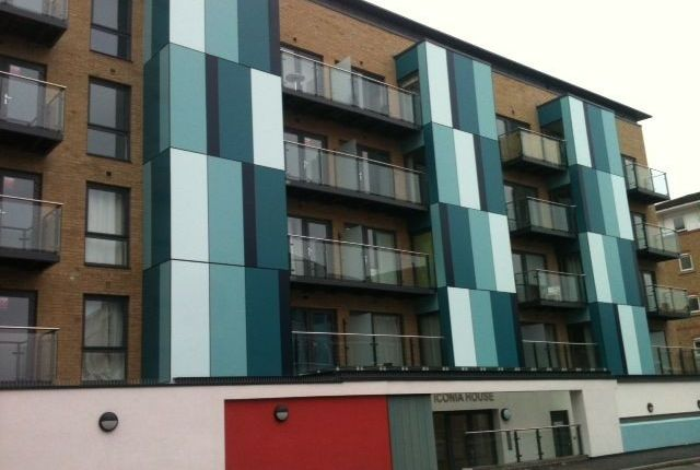 Thumbnail Flat to rent in Holmesdale Road, Bromley
