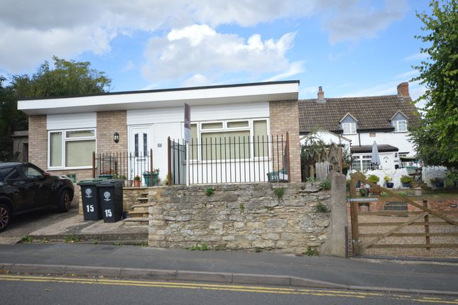 1 bed detached bungalow to rent in Marshalls Road, Raunds, Wellingborough NN9