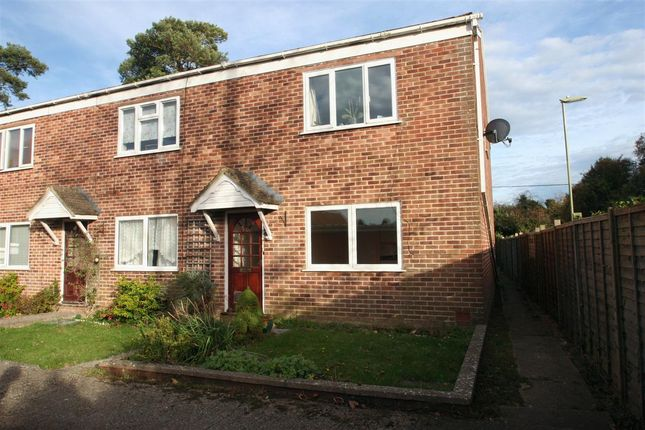 Maisonette to rent in Station Road, Whitchurch