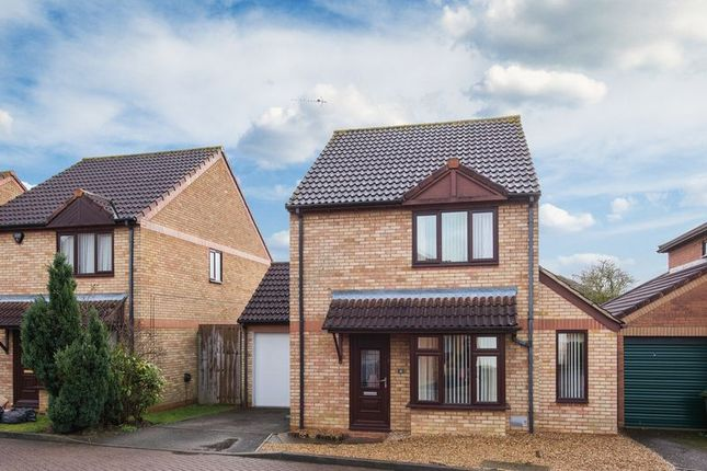 Thumbnail Detached house for sale in Lavender Grove, Walnut Tree, Milton Keynes