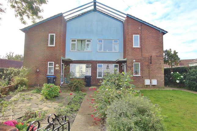 2 bed maisonette for sale in The Hollies, Lower Guildford Road, Knaphill, Woking GU21