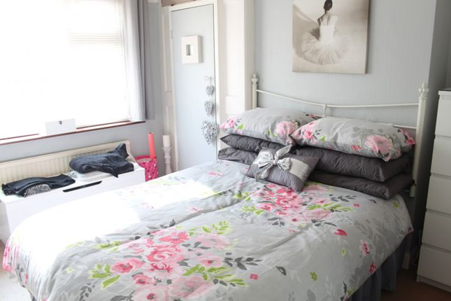 Bedroom 1 of The Grove, Southend-On-Sea, Essex SS2