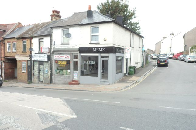 Retail premises to let in East Hill, Dartford