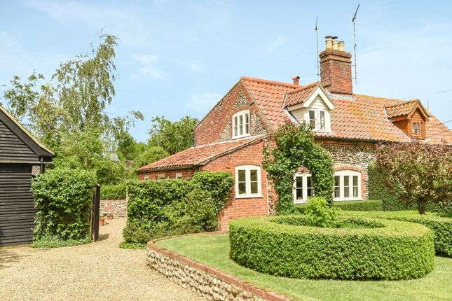Thumbnail Cottage for sale in The Common, Itteringham, Norwich
