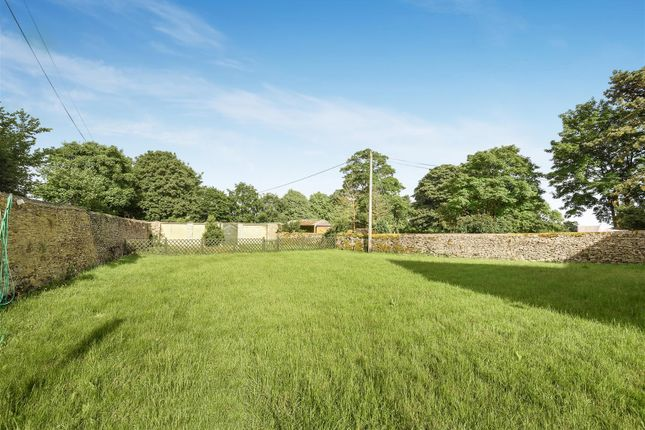 Garden of Hailey, Witney OX29