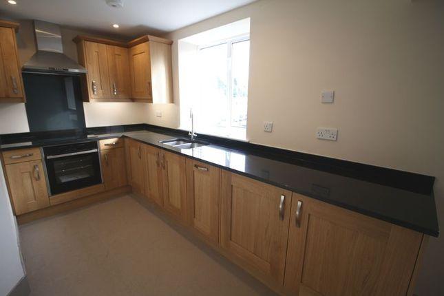 Thumbnail Flat to rent in High Street, Hemel Hempstead