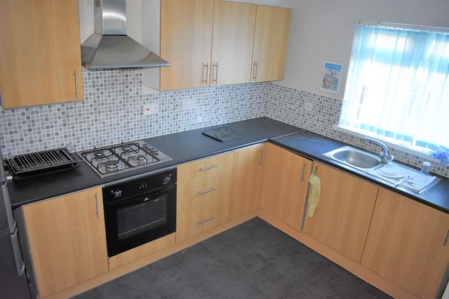 Thumbnail Town house to rent in Dudley Road, Southall