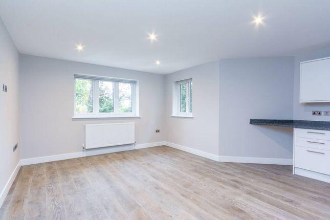 Thumbnail Flat to rent in Castlebar Road, Ealing