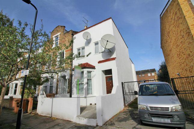 3 bed property for sale in Sydner Road, London