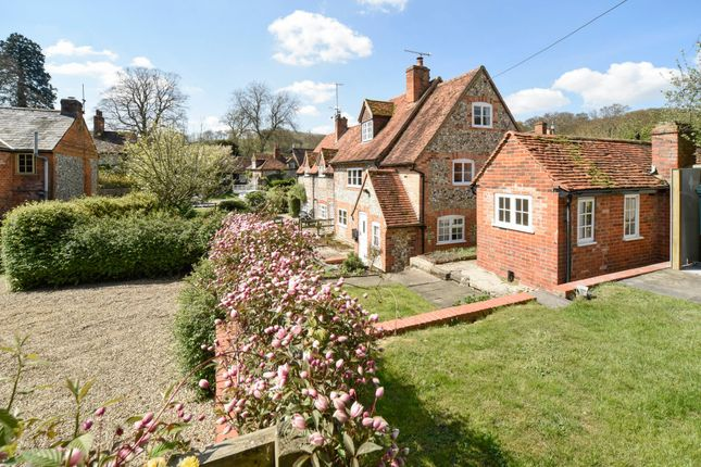 Thumbnail Cottage to rent in Turville, Henley-On-Thames