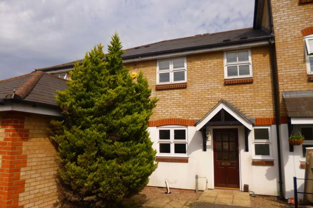 3 bed terraced house to rent in Crown Walk, Hemel Hempstead HP3