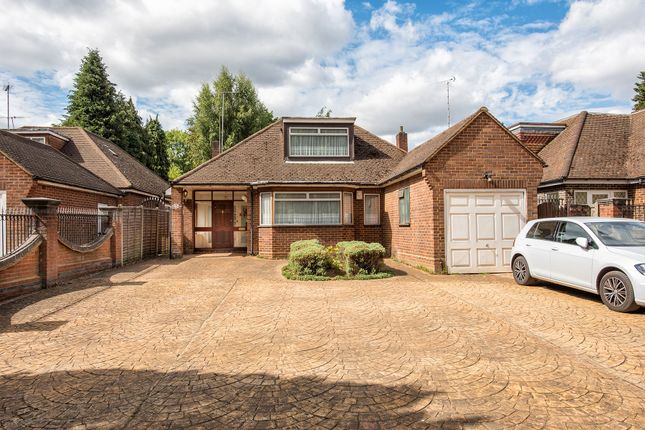Thumbnail Bungalow for sale in Park Avenue, Enfield