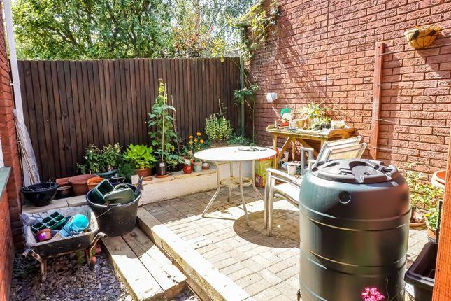 Side Garden of Passmore, Milton Keynes MK6