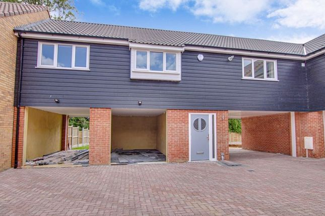 Thumbnail Flat for sale in Fairview Crescent, Rayleigh
