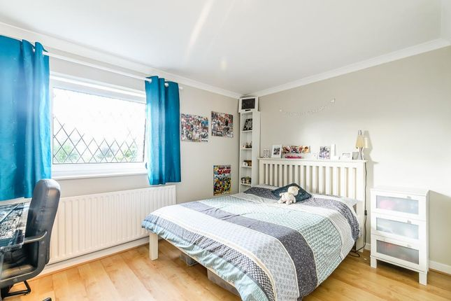 Room In House To Rent On Tadcaster Road
