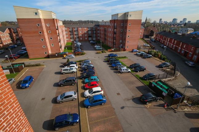 Flat to rent in City Link, Hessel Street, Salford