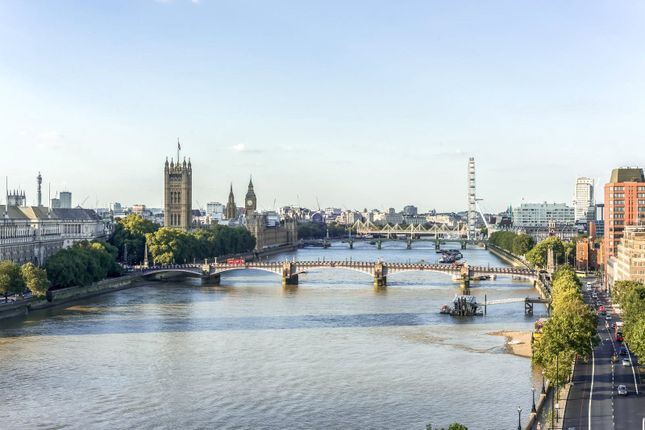 Thumbnail Flat for sale in Peninsula Heights, 93 Albert Embankment, London
