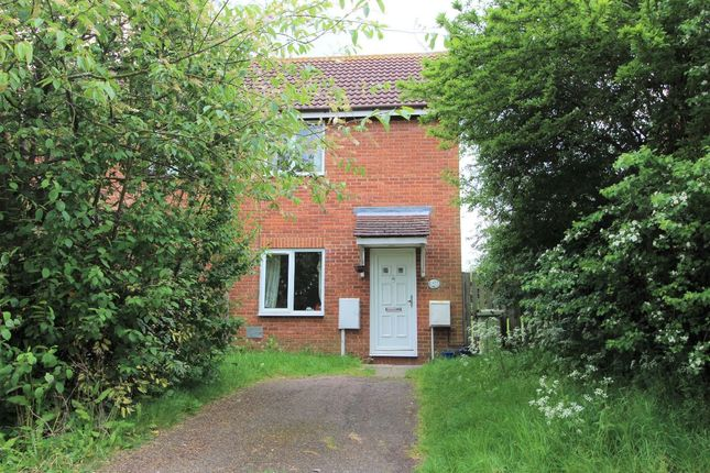 Thumbnail Terraced house to rent in Lichfield Down, Walnut Tree, Milton Keynes