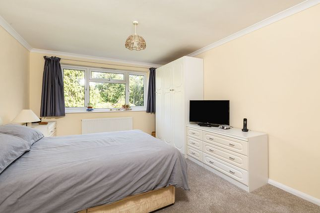 Bedroom of Southfleet Avenue, New Barn, Kent DA3