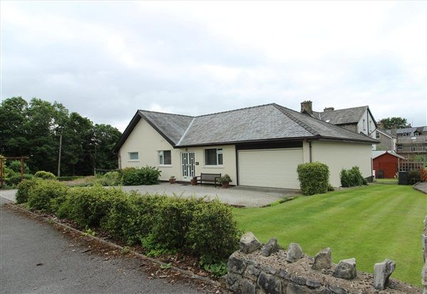 Thumbnail Bungalow for sale in Levens Way, Carnforth
