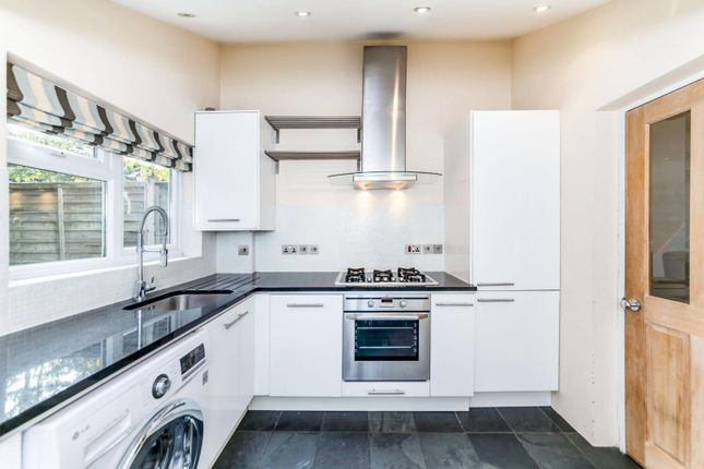 Thumbnail Cottage to rent in St. Michaels Street, St.Albans