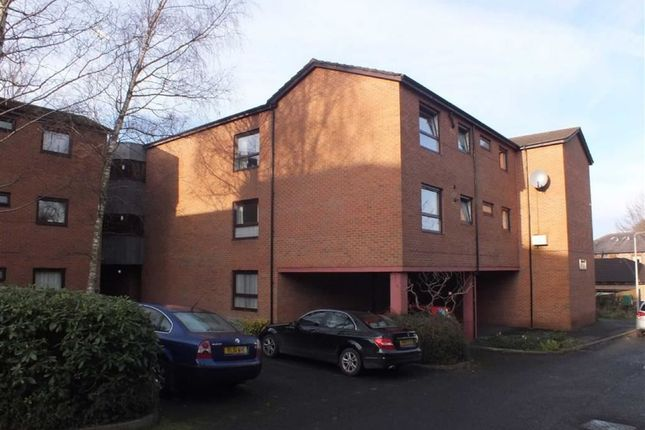 Thumbnail Flat to rent in Werneth Road, Hyde