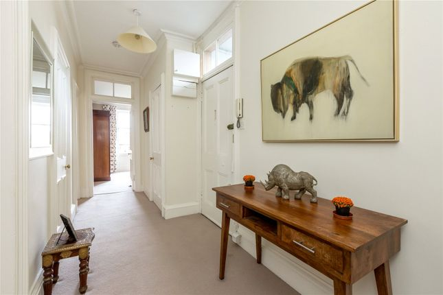 Hallway of 17/7 Bellevue Crescent, New Town, Edinburgh EH3