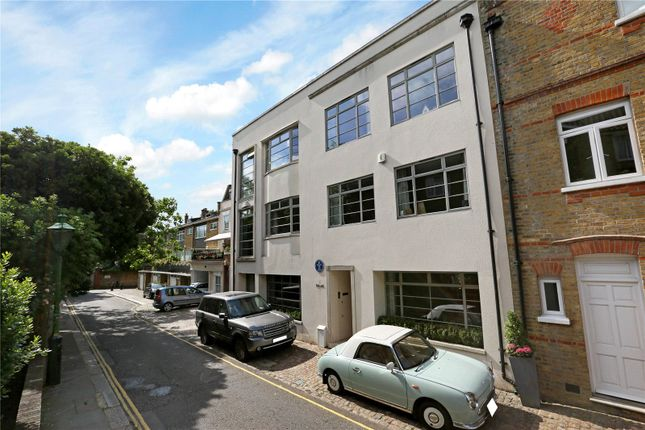 Thumbnail Property for sale in Aubrey Walk, London