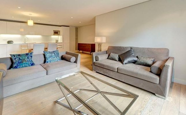 3 bed flat to rent in Merchant Square East, Paddington, London W2