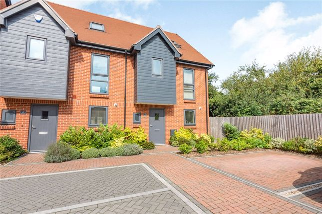 4 bed semi-detached house for sale in Francis Close, Thatcham RG18