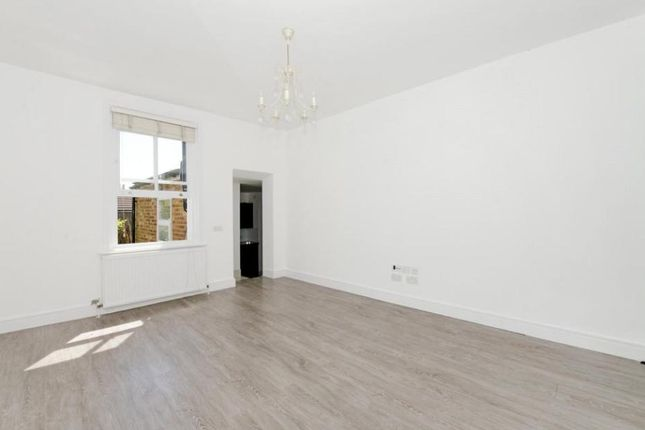 Thumbnail Flat for sale in Park Avenue, Wood Green, London