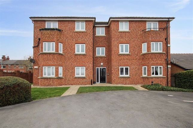 2 bed flat for sale in Saxstead Rise, Wortley, Leeds, West Yorkshire LS12
